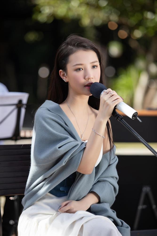 Thánh zẹo Vpop bị đồng nghiệp 5 lần 7 lượt nhắc tên vì hát live dở ẹc-1