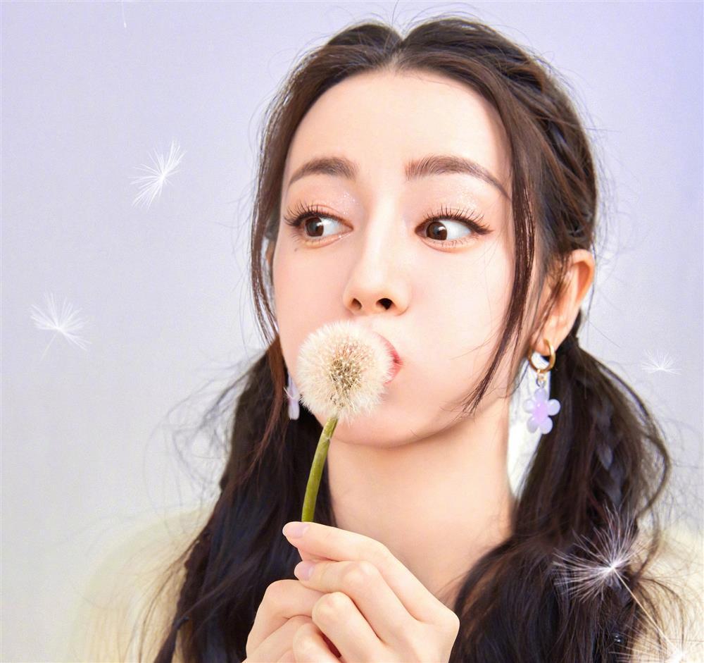 Nghệ sĩ Trung Quốc vật lộn với tiêu chuẩn phải gầy, phải trắng-4
