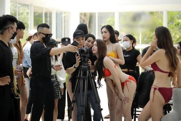 Ekip Ngọc Trinh tụ tập đông người chụp nội y bất chấp lệnh giãn cách-4