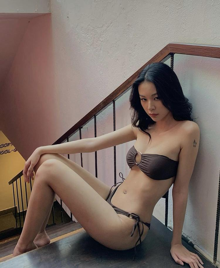 Mỹ nhân Việt diện bikini thiêu đốt ánh nhìn dù chỉ ở nhà tránh dịch-4