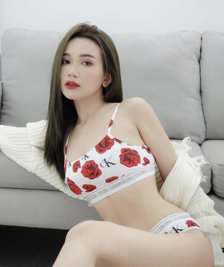 Mỹ nhân Việt diện bikini thiêu đốt ánh nhìn dù chỉ ở nhà tránh dịch-5