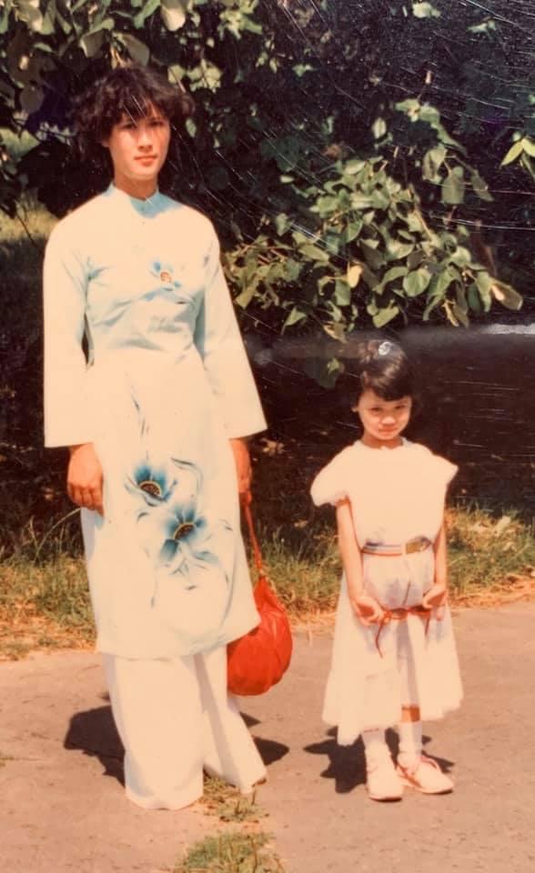 Nhan sắc gây chú ý của mẹ ruột Dương Thùy Linh ở tuổi 62-3