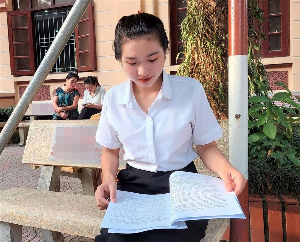 Danh tính gái xinh vừa trở thành Đại biểu Quốc hội trẻ nhất cả nước-1