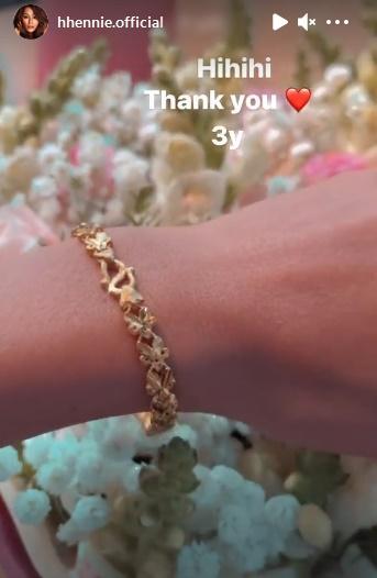 HHen Niê được bạn trai tặng vòng vàng nhân dịp kỉ niệm 3 năm yêu-3