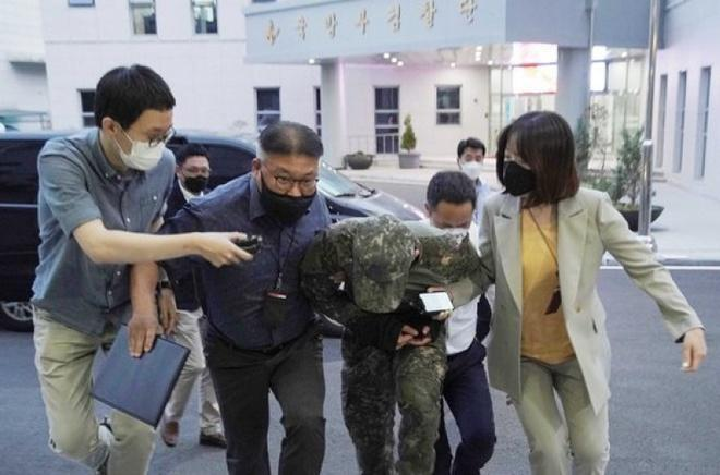 Thêm 2 sĩ quan Hàn bị bắt trong vụ nữ trung sĩ bị lạm dụng tình dục-1