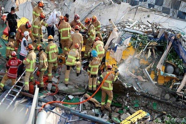 Hiện trường tòa nhà 5 tầng đổ sập ở Hàn Quốc: Kinh hoàng như 1 vụ đánh bom-2