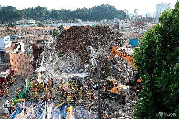 Hiện trường tòa nhà 5 tầng đổ sập ở Hàn Quốc: Kinh hoàng như 1 vụ đánh bom-1