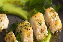 Cách làm cá với bơ nghiền và sốt thảo mộc