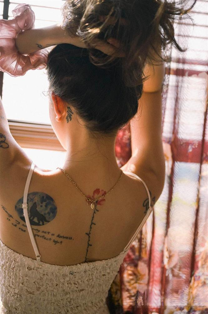 Linh Ngọc Đàm tung ảnh nóng, lộ cả rổ hình xăm sau lưng-4