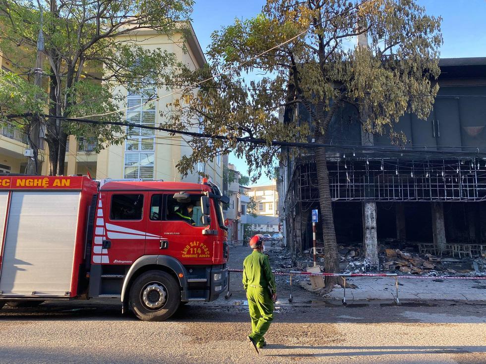 NÓNG: Đang xem Euro có tiếng nổ lớn, phòng trà cháy dữ dội, 6 người chết-1
