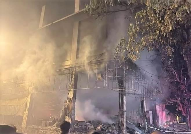 NÓNG: Đang xem Euro có tiếng nổ lớn, phòng trà cháy dữ dội, 6 người chết-8