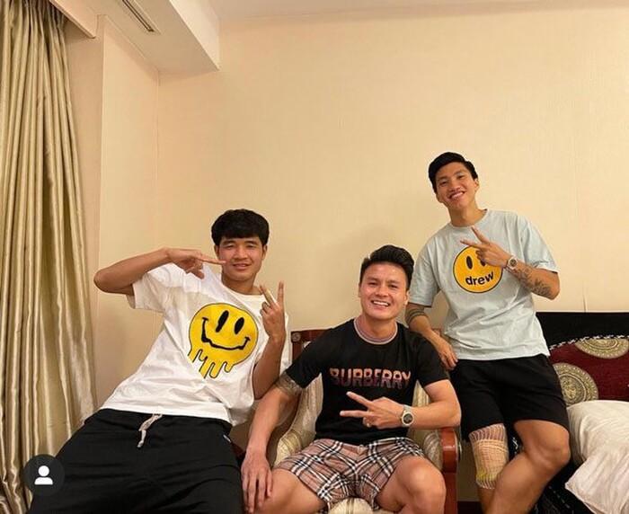 Không chỉ tỏa sáng sân cỏ, Quang Hải còn là tay chơi hàng hiệu đẳng cấp-4
