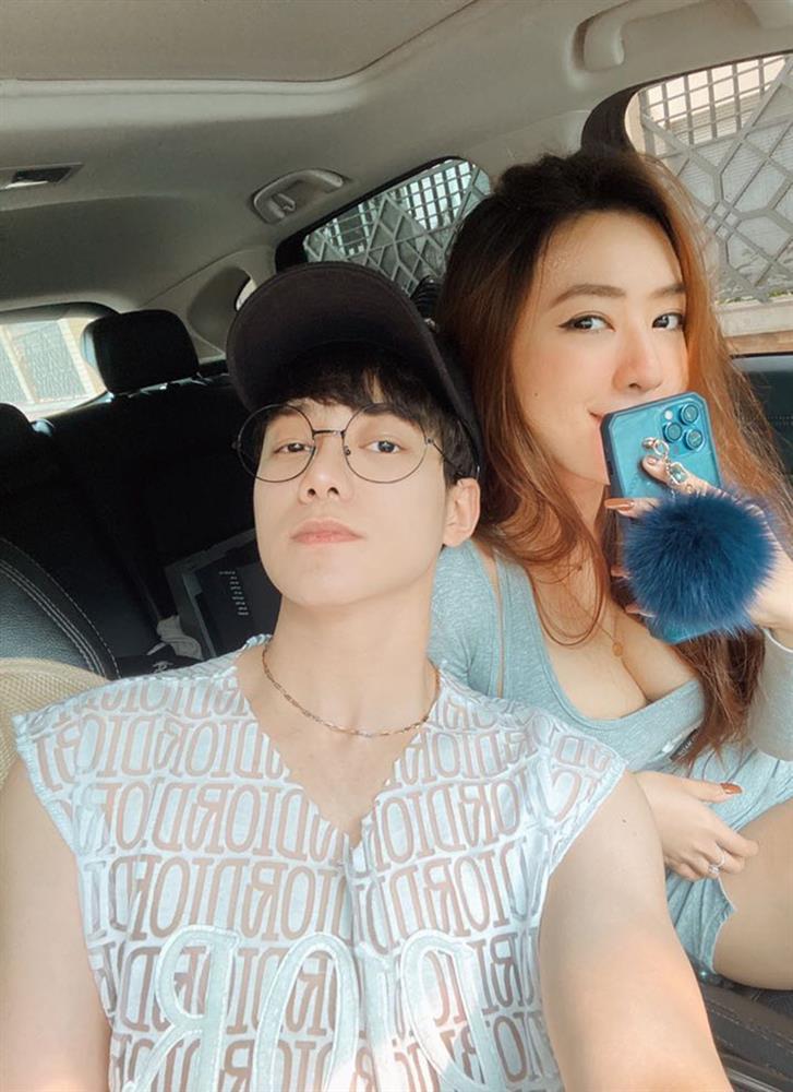 Công tử Hà thành tương tư gái xinh Sài Gòn suốt 2 năm và lời hồi đáp ngọt ngào dưới cơn mưa-1