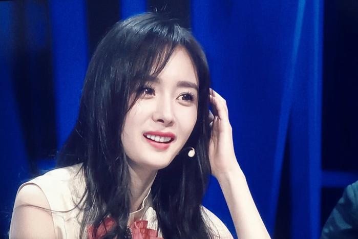 Tự xử tóc mái chữ bát giống Song Hye Kyo, Dương Mịch chỉ với 2 bước đơn giản-12