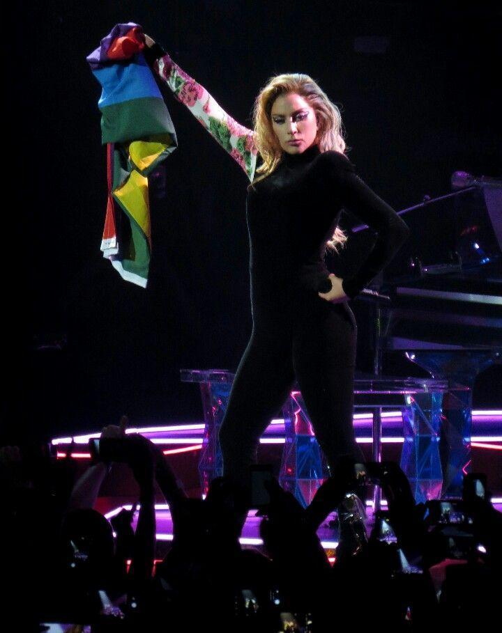 Những câu nói bất hủ truyền cảm hứng cho cộng đồng LGBTQ+ của Lady Gaga-2
