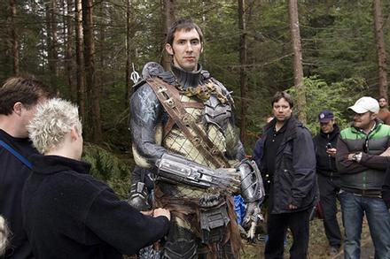 Tài tử cao 2,13 m chuyên đóng vai quái vật