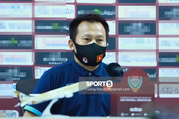 HLV Park và học trò ăn mừng Việt Nam chắc cú đi tiếp vòng 3 World Cup-2