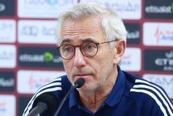 HLV tuyển UAE: 'Tôi hơi tức vì Việt Nam chơi quá hay, suýt nữa chúng tôi cầm hòa'