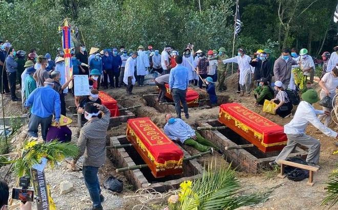 Tang tóc 4 quan tài chôn cạnh nhau trong vụ cháy phòng trà 6 người tử vong-5