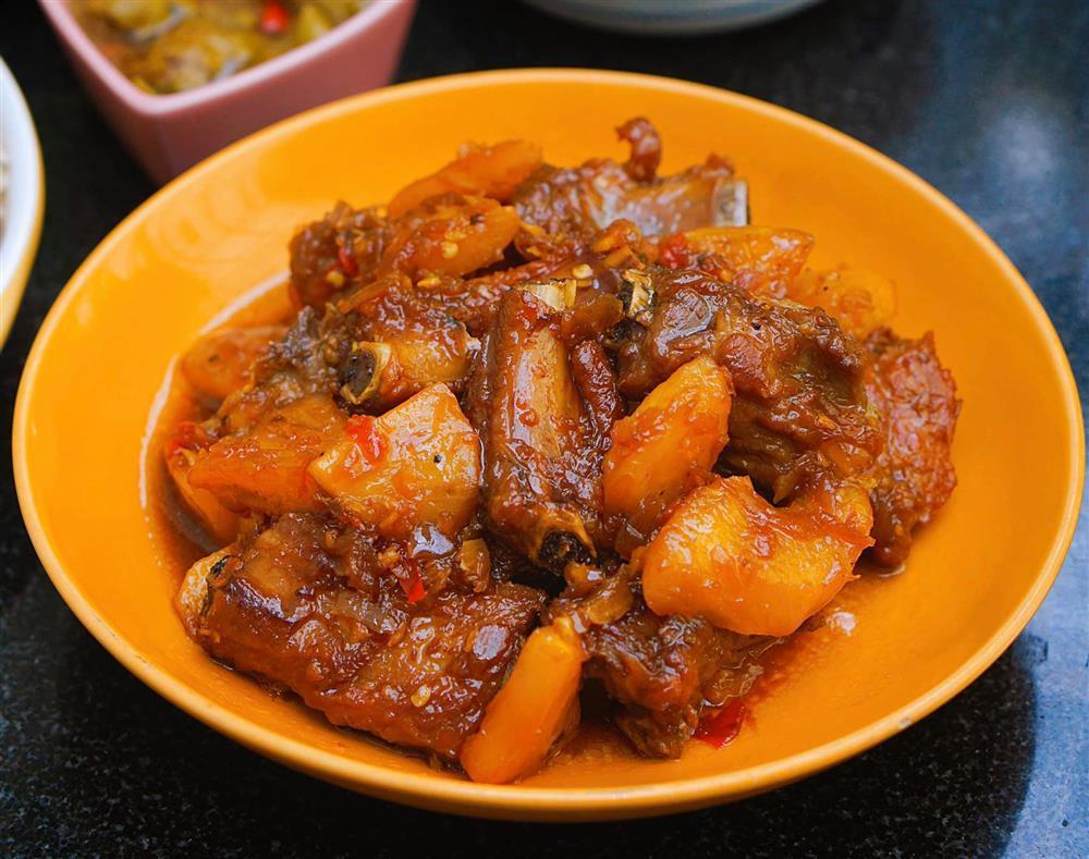 Tranh thủ đúng mùa, mẹ Hà Nội khoe thực đơn với đủ các món ăn được làm từ dứa-2