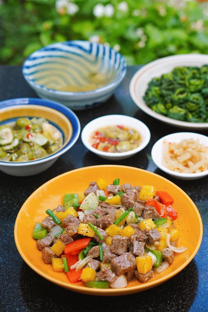 Tranh thủ đúng mùa, mẹ Hà Nội khoe thực đơn với đủ các món ăn được làm từ dứa-4