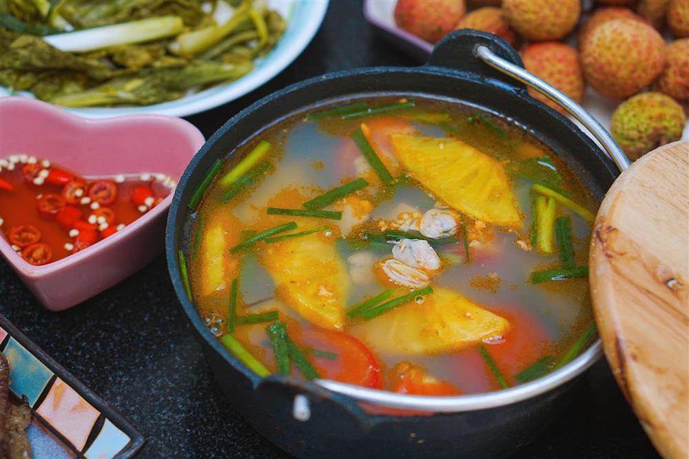 Tranh thủ đúng mùa, mẹ Hà Nội khoe thực đơn với đủ các món ăn được làm từ dứa-5