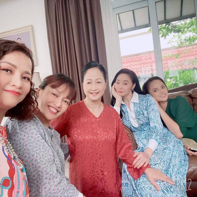 Quách Thu Phương chia sẻ nỗi ám ảnh khi đóng phim Hương Vị Tình Thân-6
