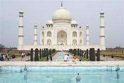 Ấn Độ mở cửa lại ngôi đền gần 400 tuổi