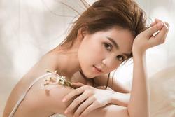 Ngọc Trinh đáp trả anti-fan 'cà khịa' việc đi hát