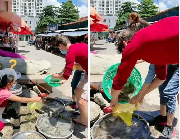 Được vợ Việt chỉ cách, chồng Tây đi mua tôm kiểu bá đạo làm người bán ái ngại-1