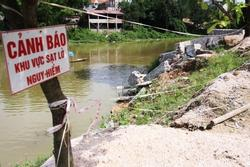 Hà Nội công bố tình huống khẩn cấp vì sạt lở kè, chân đê ở 4 huyện