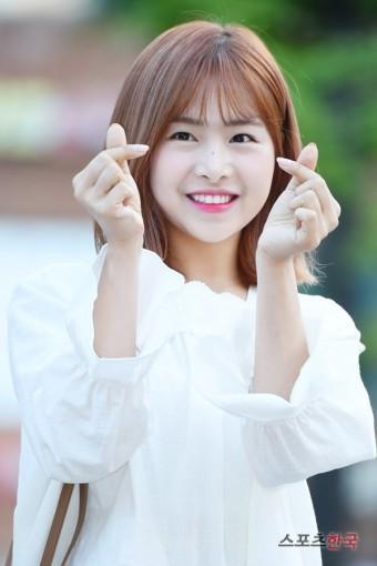 Chaewon APRIL tố ngược Hyun Joo giả tạo, tự dựng chuyện bắt nạt-2