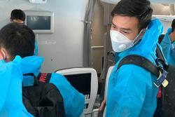 Tuyển thủ Việt Nam mất của trên đường từ UAE về nước