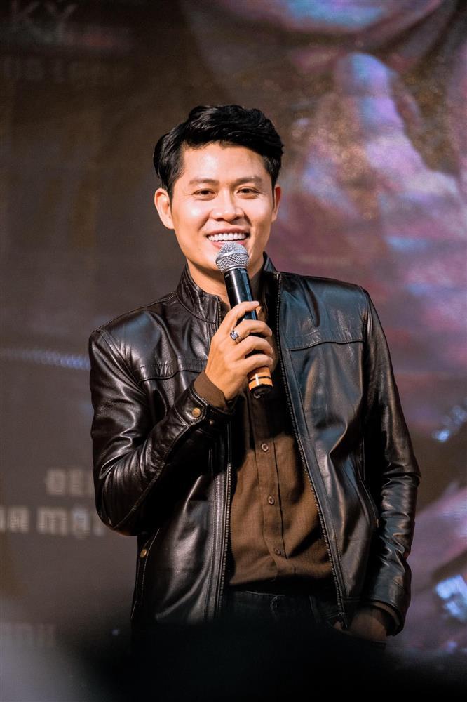 Nguyễn Văn Chung tạo tiền lệ showbiz: Fan và mẹ đều nằm vùng group anti-1