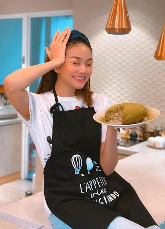 Siêu mẫu Thanh Hằng với những lần vào bếp không thua kém Masterchef-11