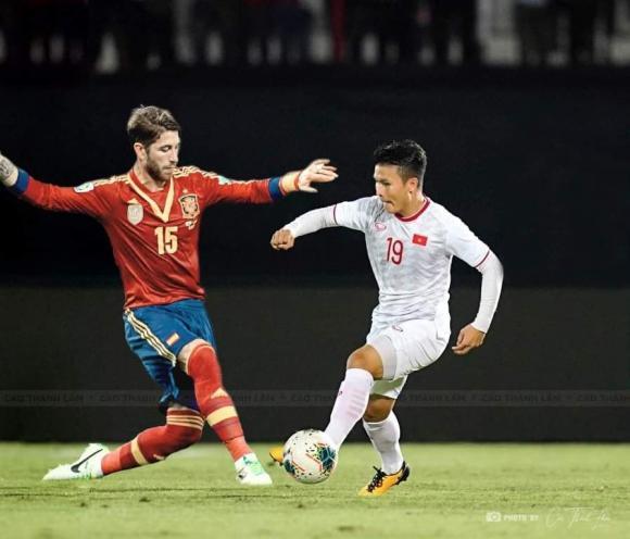Quang Hải, Công Phượng bất ngờ chạm trán siêu sao Ronaldo, Messi-2