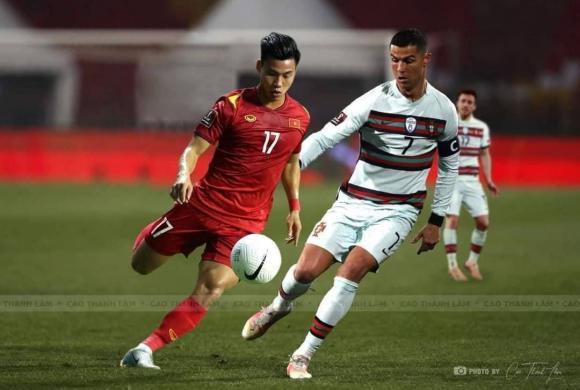 Quang Hải, Công Phượng bất ngờ chạm trán siêu sao Ronaldo, Messi-3