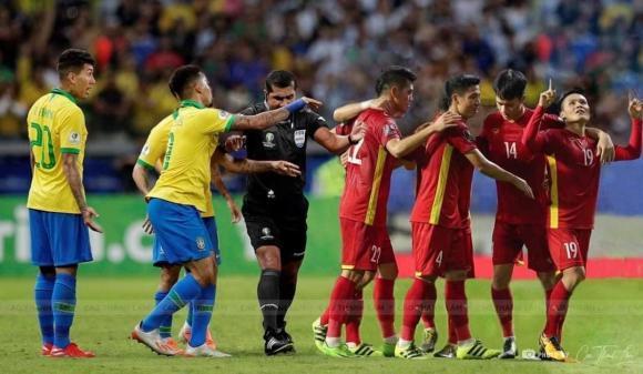 Quang Hải, Công Phượng bất ngờ chạm trán siêu sao Ronaldo, Messi-4