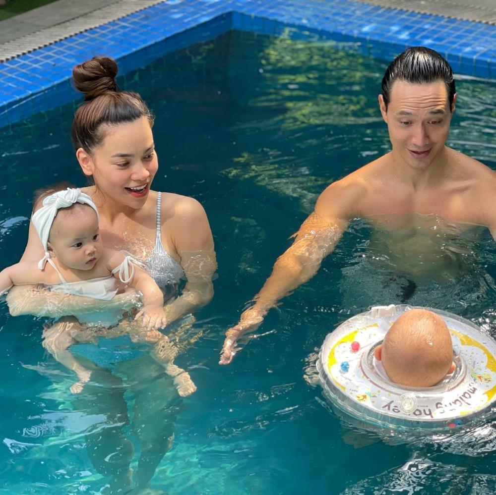 Gia đình Hồ Ngọc Hà đi bơi: 3 nét đẹp không bằng 1 nét hài-3