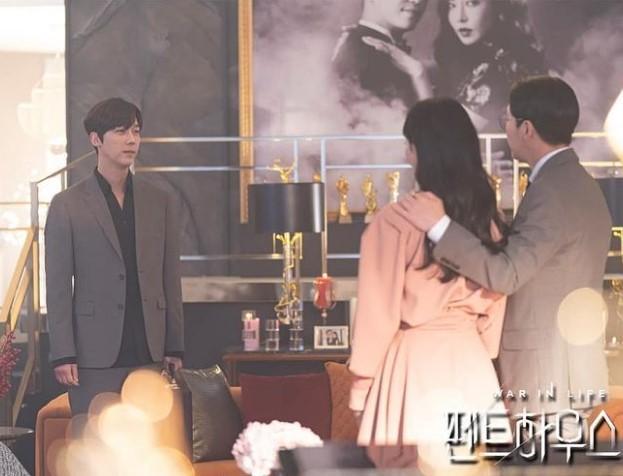 Penthouse 3: Bác sĩ Ha chết lặng nhìn dì Trinh bên kẻ thù, vợ chồng tan nát còn đâu!-3