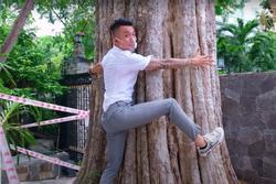 Đại gia Minh Nhựa khoe mua cả căn biệt thự chỉ vì khoái cái cây trong nhà