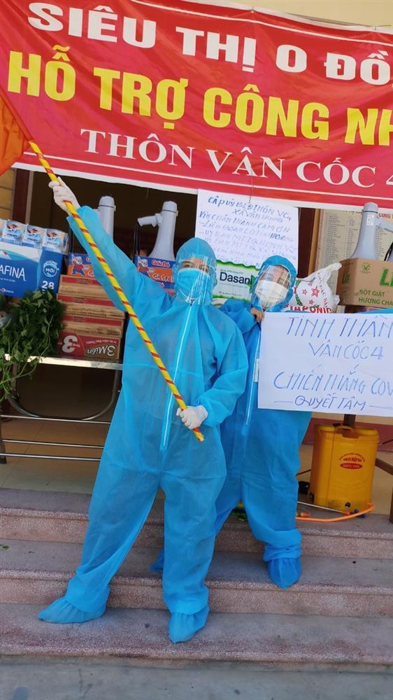 Nắng nóng hơn 40 độ, tình nguyện viên Covid-19 Bắc Giang vẫn quẩy tưng bừng-5