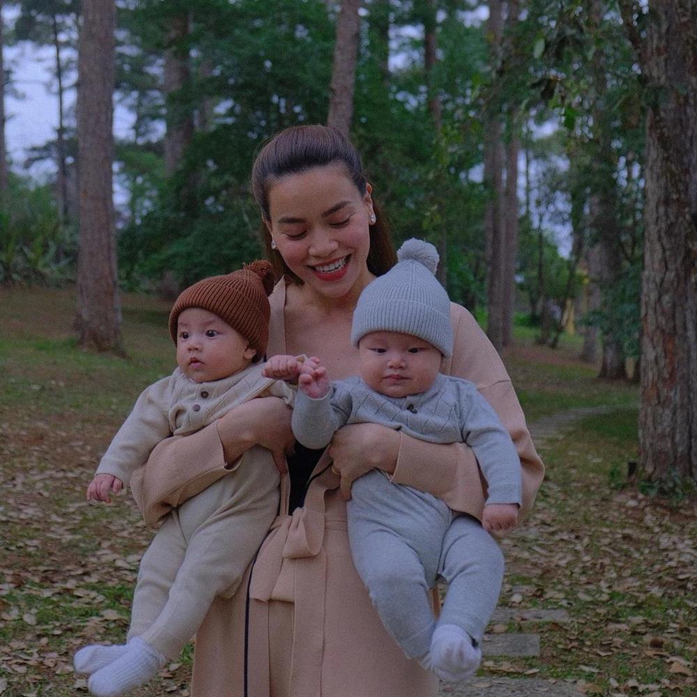 Tiểu công chúa Lisa chiếm spotlight trong bộ ảnh cùng mẹ Hà Hồ-11
