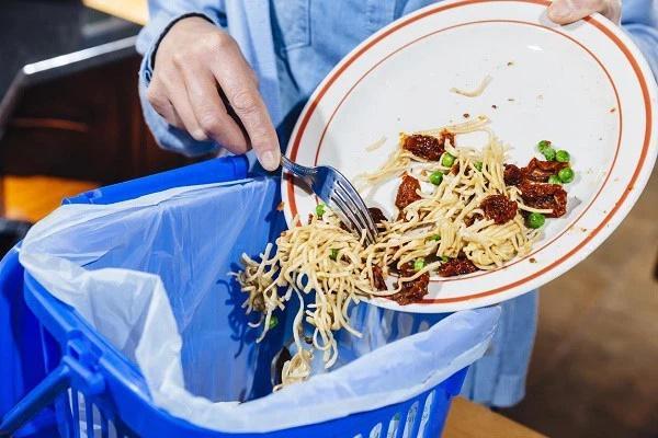 Những mẹo đơn giản các bà nội trợ nên biết để tránh lãng phí thực phẩm trong gia đình-1