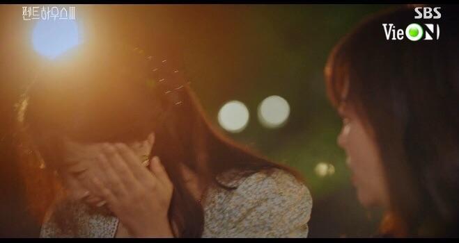 Penthouse 3 tập 3: Ha Eun Byul bị mẹ nuôi tát khi lén xem video của mẹ đẻ-5