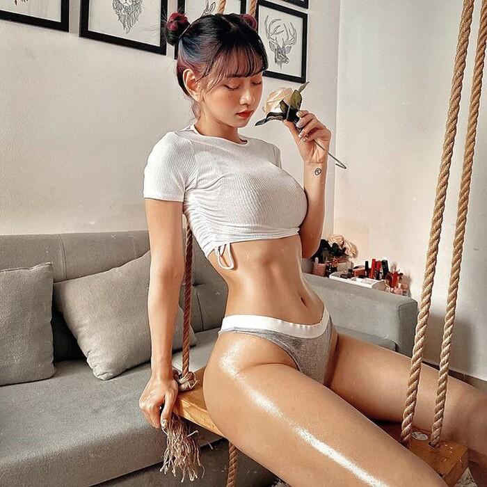 Cô gái diện quần bó sát show vòng 3 ở Hồ Tây nhức mắt dân mạng-1