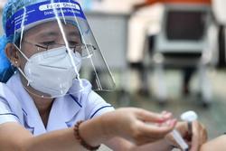 TP.HCM bắt đầu chiến dịch tiêm vaccine Covid-19 lớn nhất trong lịch sử