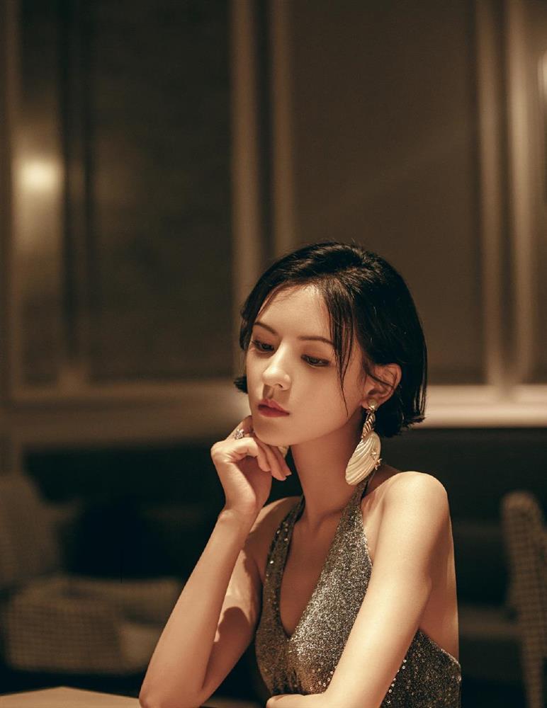 Nhan sắc bạn gái đẹp nhất của Vương Tư Thông-6