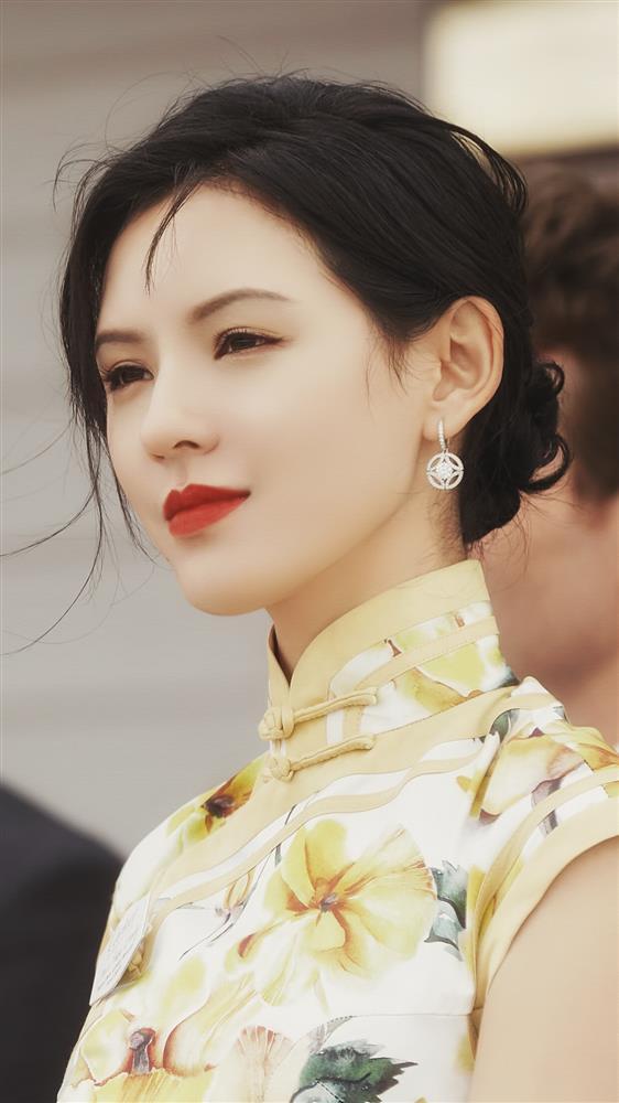 Nhan sắc bạn gái đẹp nhất của Vương Tư Thông-9