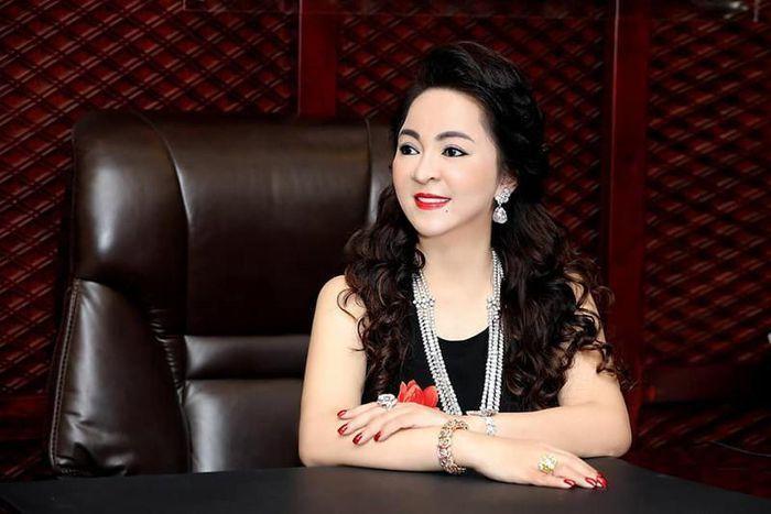 Bà Nguyễn Phương Hằng cam kết từ nay cẩn trọng phát ngôn khi livestream-1